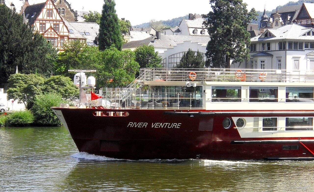 Wirtschaftsstandort Koblenz auch mit dem Schiff erreichbar